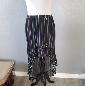 Express black and white high-low skirt (NWT)